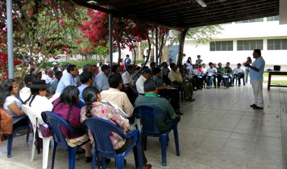Representantes de comunidades campesinas de Ayacucho y Huancavelica y pequeños productores de Ica reunidos en el encuentro macro regional realizado el 8 y 9 de octubre. (Foto: RecursosNaturalesPerú)